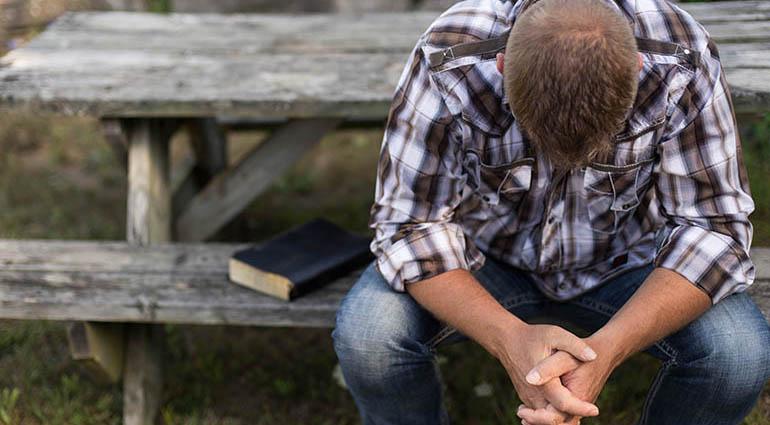 Servir a Dios con oraciones